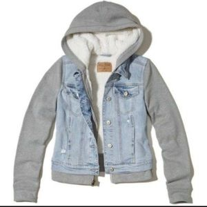 HOLLISTER NEW Sherpa denim jacket S